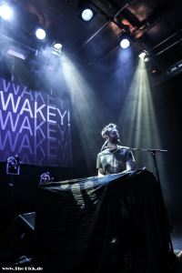 WAKEY!WAKEY! live